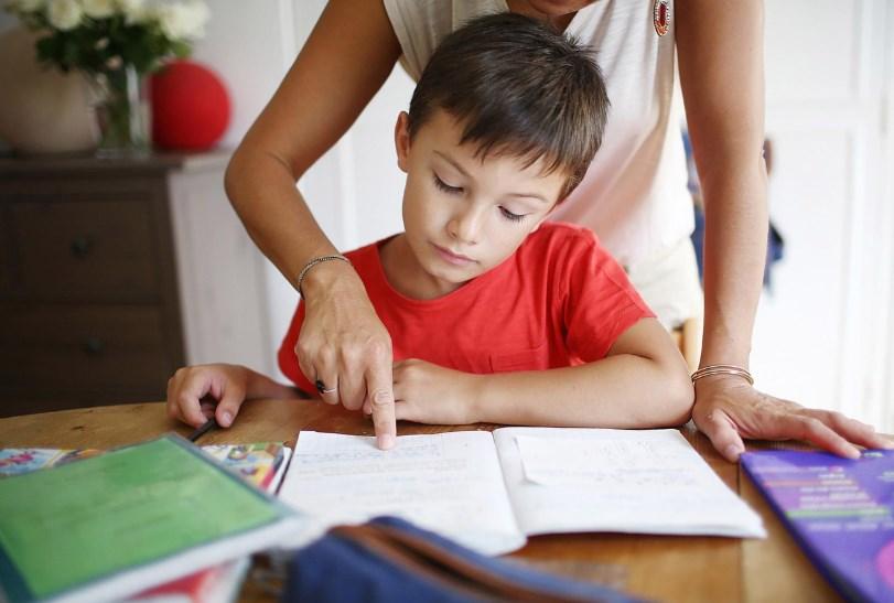 Ребенок отвлекается на уроке, что делать?