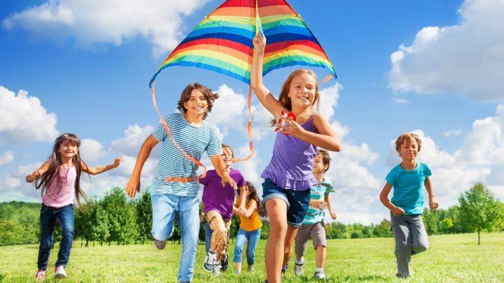 Чем порадовать ребенка во время летних каникул?